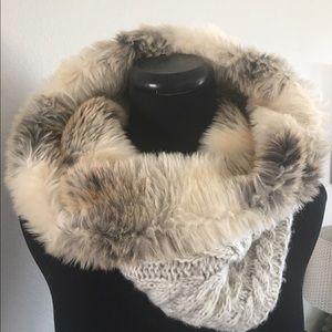 NEW! aerie Reversible Faux Fur/Knit Snood